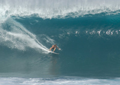 sean-tiner-reef-mcintosh-surfing