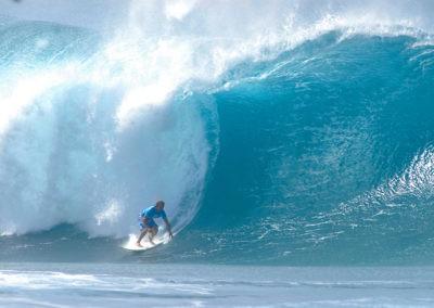 sean-tiner-pipeline-photograph-surfing